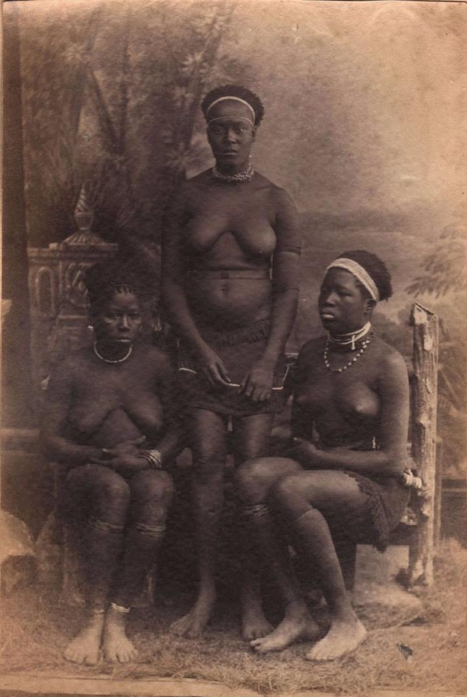 1890. Три молодые зулуски