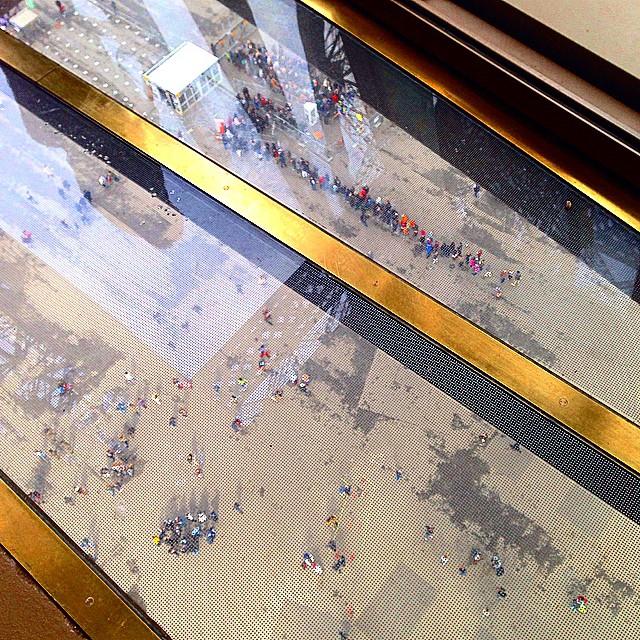 Eiffel Tower gets a glass floor80.jpg