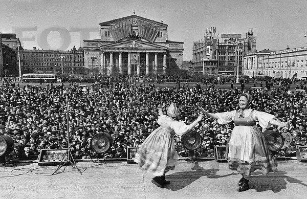 Яков Рюмкин. Москва, 9 мая 1945 года.jpg