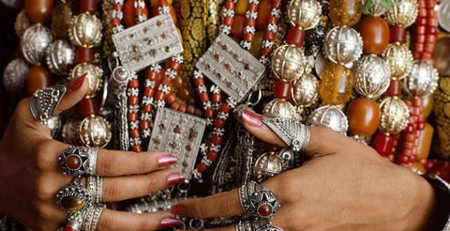 0 1293f8 ac85832a orig Свадебные наряды невесты в разных странах (головной убор)