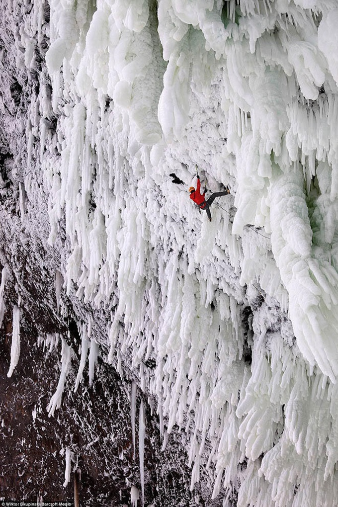 Удивительные замерзшие водопады по всему миру 0 141bbd cd048f26 orig