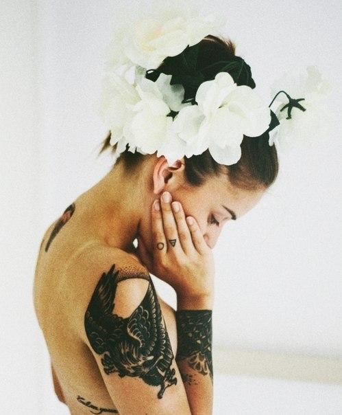 цветы татуировки девушка