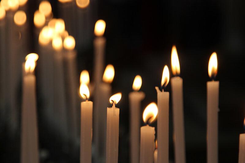 Свечи в храме города Сиена