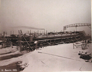 Постройка корпусов минных крейсеровМосквитяниниДоброволецна стапелях Путиловского завода.