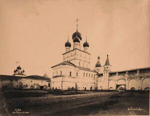 Вид-с северо-восточной стороны- надвратной церкви Иоанна Богослова в Кремле (постройка 1683 г.). Ярославская губ.