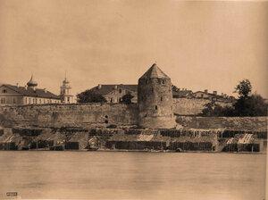 Вид на Мстиславскую башню Кремля (постройка 1694г.). Псков г.