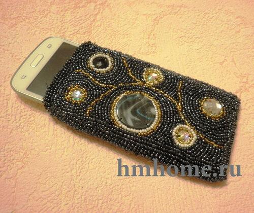 Чехол для телефона вышитый бисером