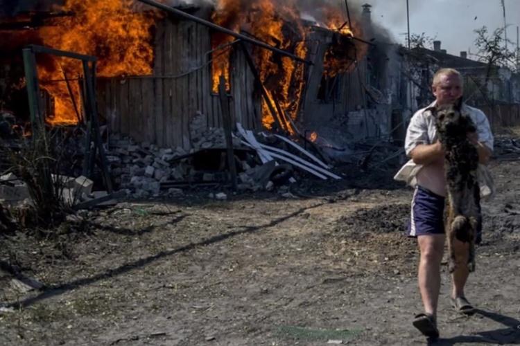 3 июля 2014 - станица Луганская после обстрела украинской армией.jpg