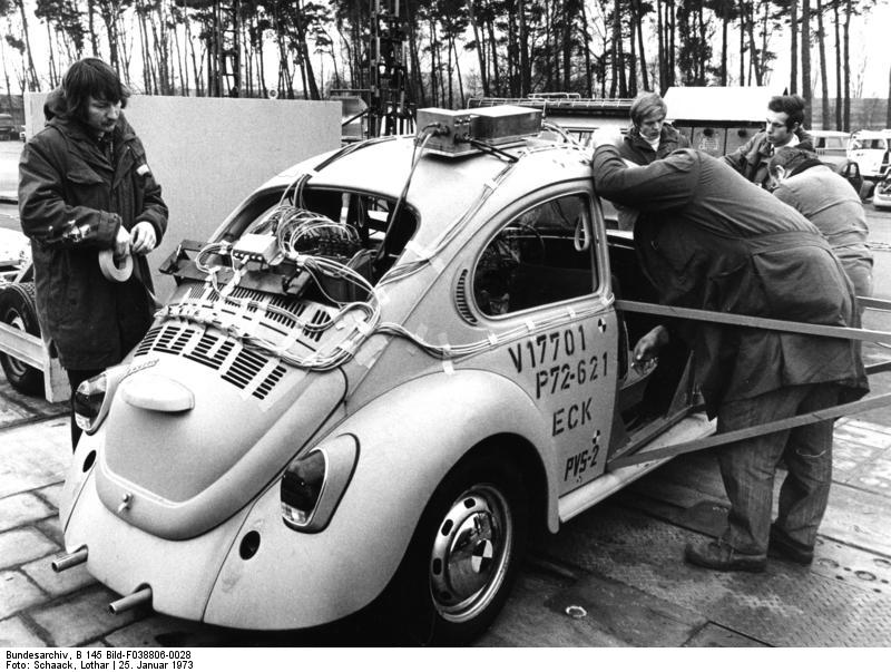 Wolfsburg, Volkswagen, VW Kдfer vor Crashtest, Kдfer