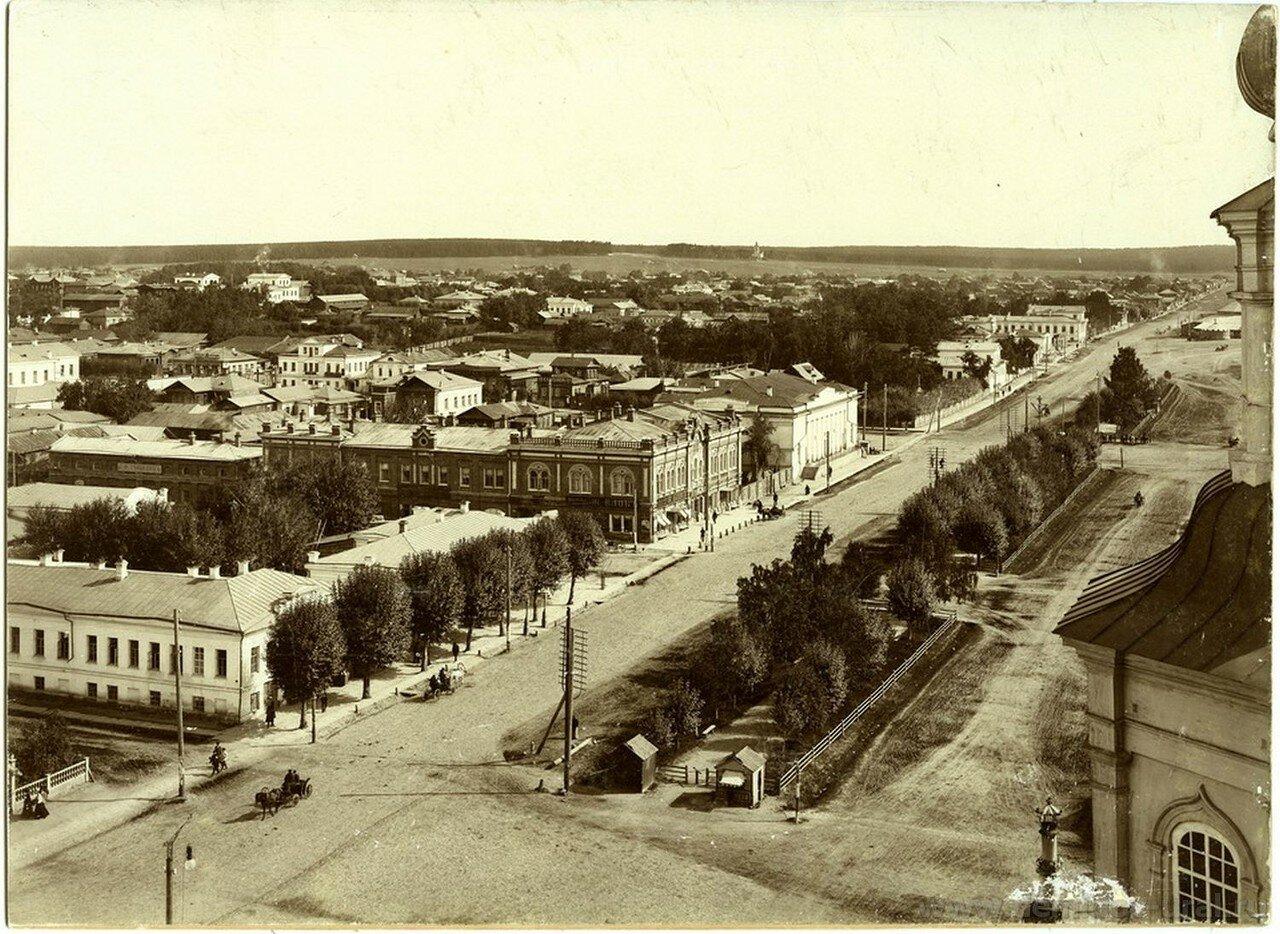 Вид Главного проспекта. Городской театр. 1898
