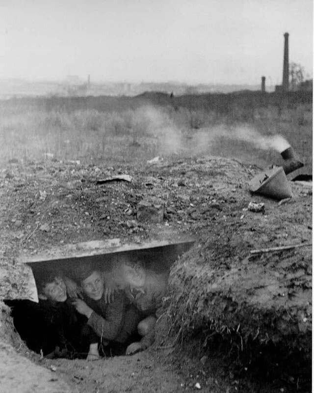 1945. Укрытие. Район Иври