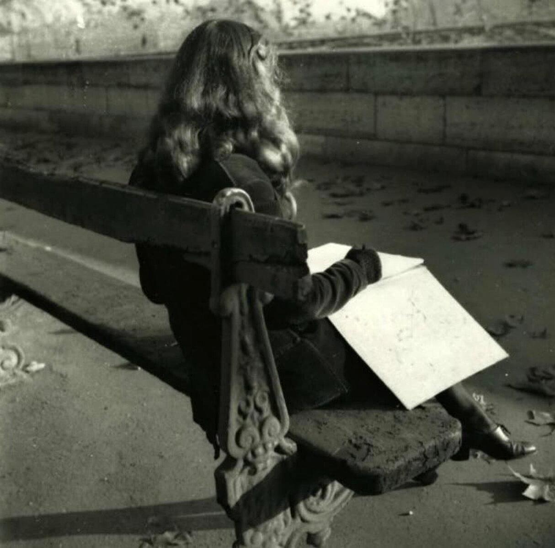 1950. Лелла в Париже