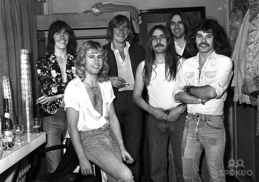 James Hunt e amigos, 1 de Janeiro de 1977.jpg