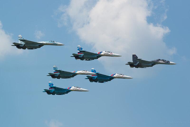 Сухой Су-30МК (RF-93667 / 57 синий) D805632a