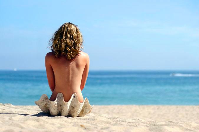 Первый нудистский пляж появился в Рио-де-Жанейро. Поделиться с друзьями на