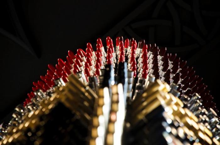 Агне Кисонаите: арт-объект «Гигантская помада»