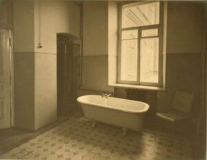 Вид ванной комнаты лазарета
