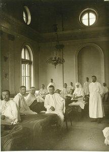Раненые в палате Кауфманского госпиталя №1 имени Его императорского высочества наследника- цесаревича великого князя Алексея Николаевича