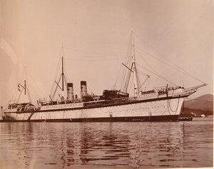 Общий вид парусного судна Орёл, на котором размещён плавучий  госпиталь.