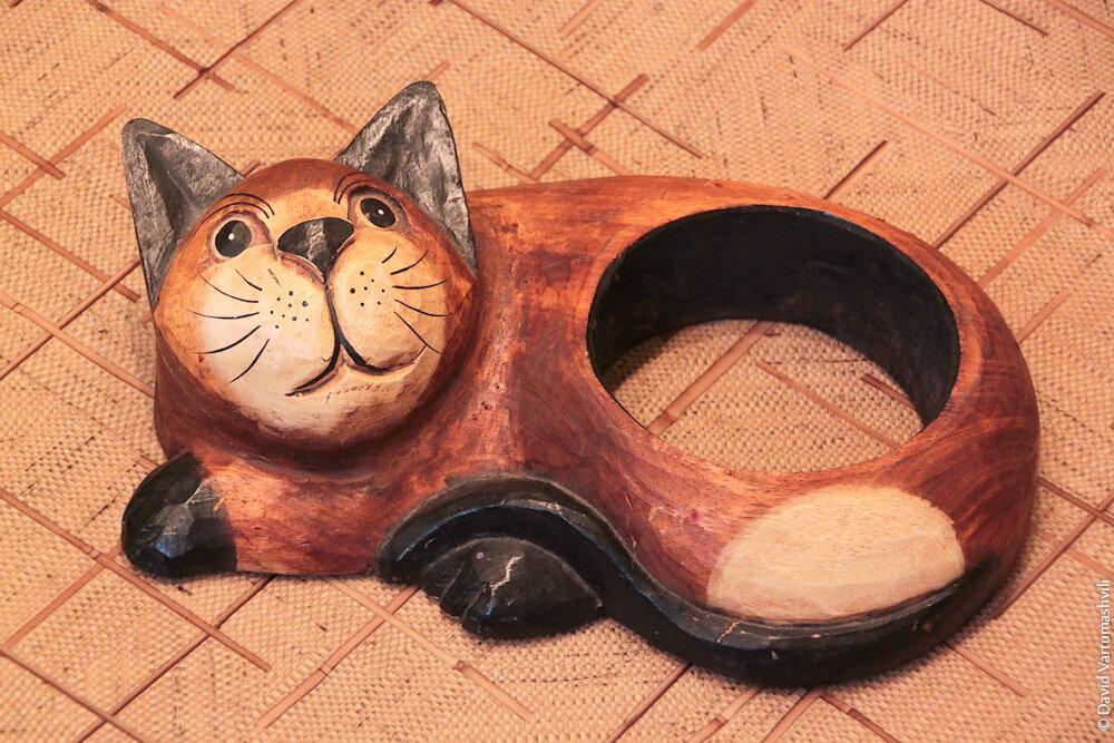Кот-подставка из ЮАР