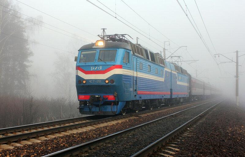 ЧС7-057 с 662 поездом Великие Луки - Москва на перегоне Дедовск-Нахабино
