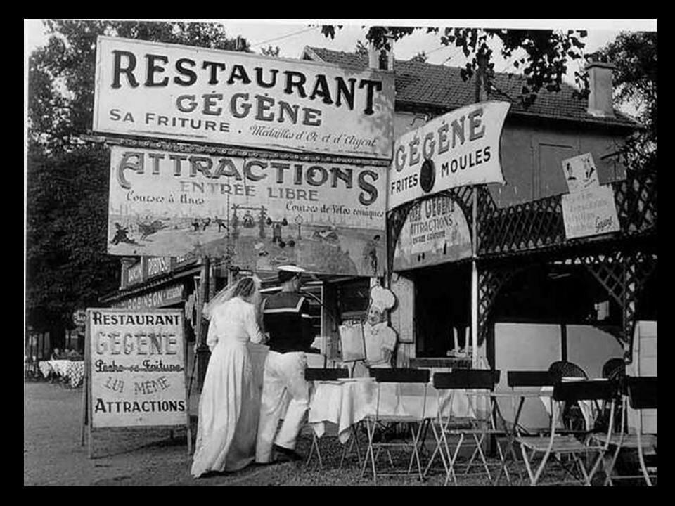 1946. Жених с невестой у ресторана «Chez Gégenne»