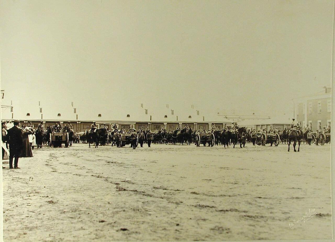 16. Вид части орудийного парка артиллерийских частей, принимавших участие в смотре
