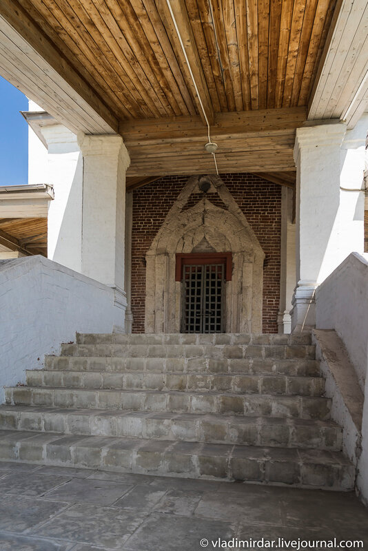 Крыльцо южных врат Церкви Вознесения в Коломенском
