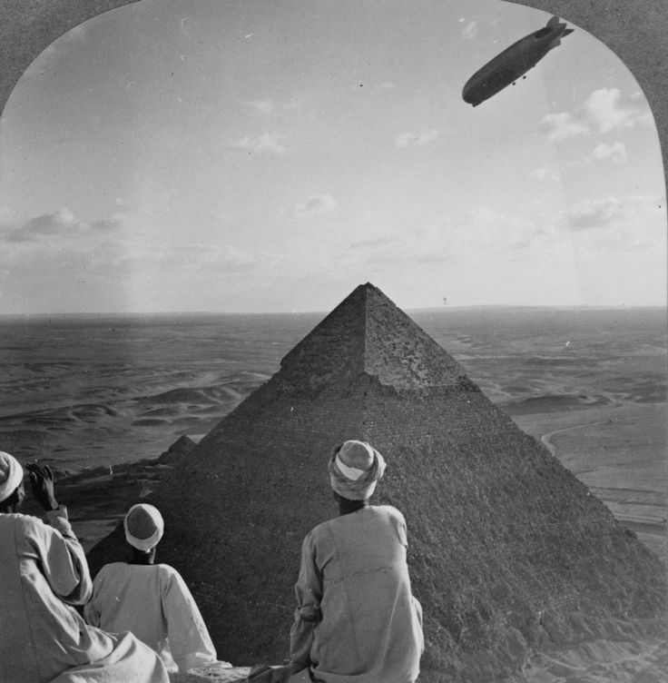 Zeppelin over The Pyramids.jpg