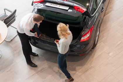 В июне реализация автомобилей в стране снизилась на семнадцать процентов