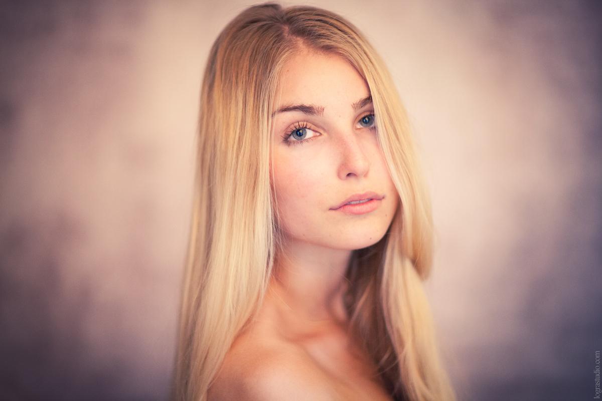 Alena. Photographer Irina Logra