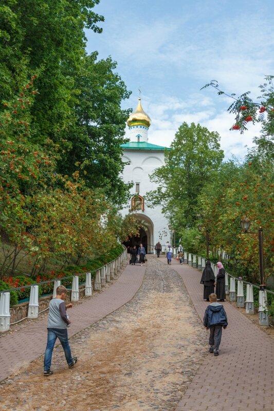 """""""Кровавый путь"""", Псково-Печерский монастырь"""
