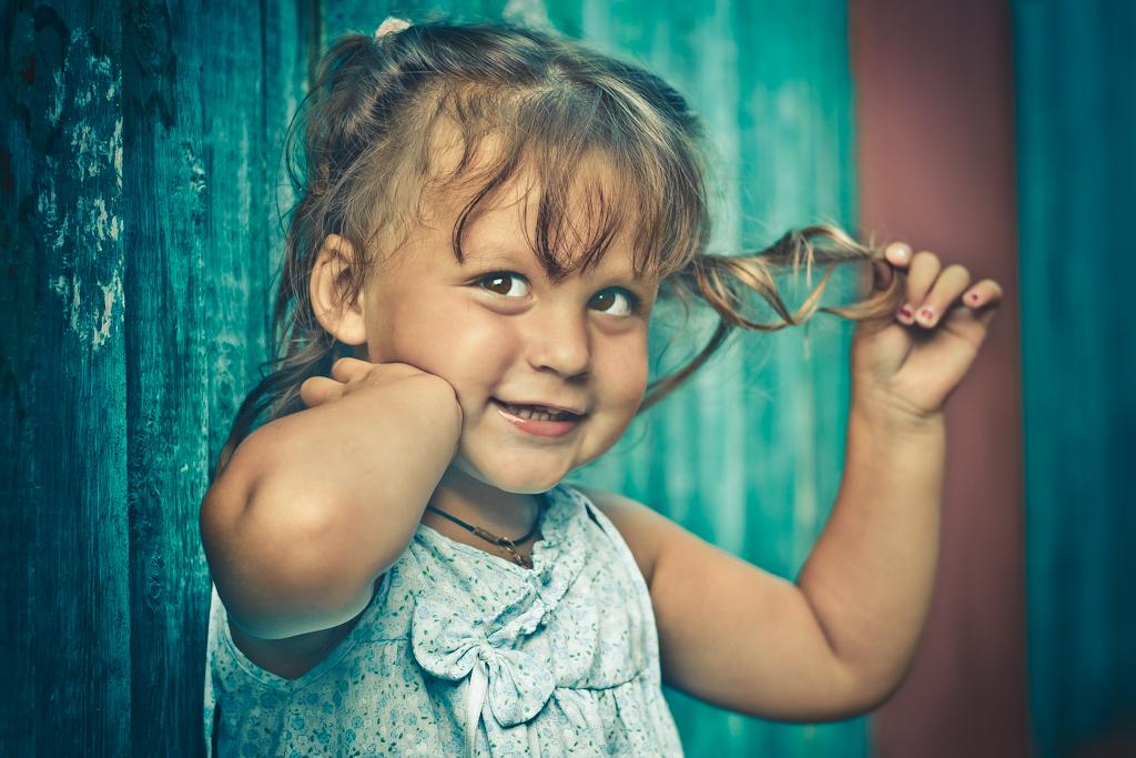 Фото 6. Детская фотосессия. Пример снимка, полученного на кропнутую зеркалку Nikon D3100 с портретным объективом Nikkor 50/1.8G. Красотулечка...