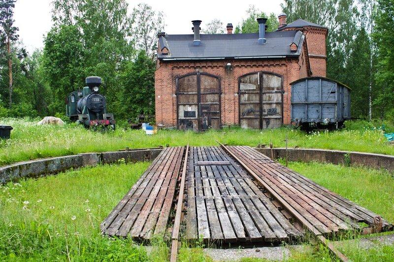 депо и поворотный круг на станции Суолахти (Suolahti)