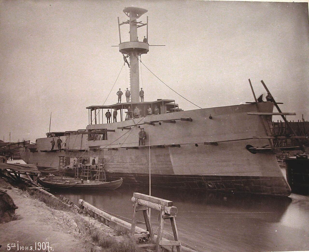 25. Канонерская лодка «Кореец» на стапеле Путиловского завода во время завершающего этапа постройки. 05 июня 1907