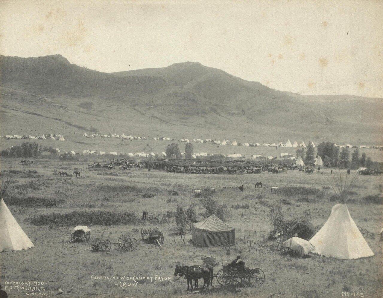 Общий вид лагеря на Прайоре. Племя Кроу. 1900
