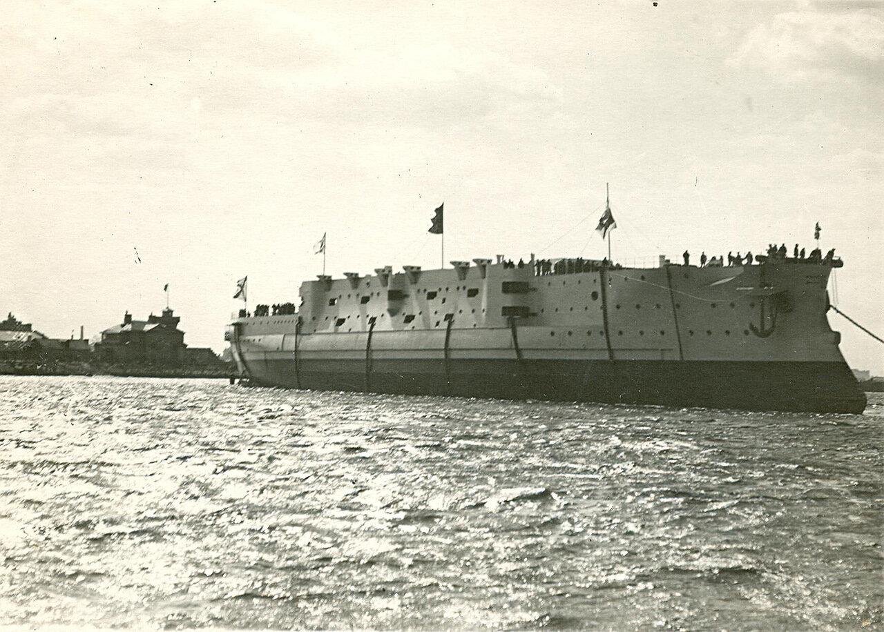 40. Эскадренный броненосец «Ослябя» на воде