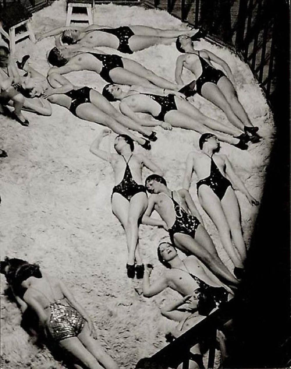 1932. Фоли-Бержер. Представление