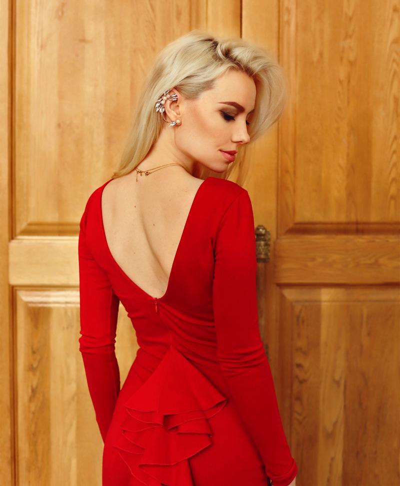 Красное платье и прогулка по городу #1.