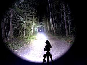 Подствольный дальнобойный охотничий фонарь - EagleTac S200C2 XM-L2 U2 светит так: Турбо режим, iso 200