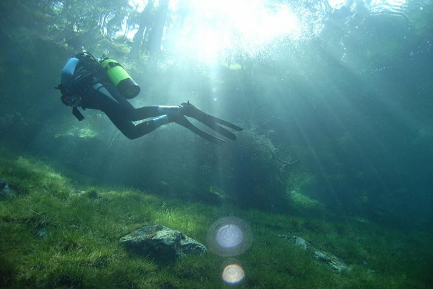 Фото дня. Осень в Норвегии и затопленный парк в Австрии 0 141925 8b9add5f orig