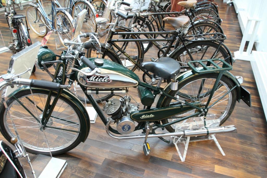 Herren-Motorfahrrad H 4 (98 ccm)