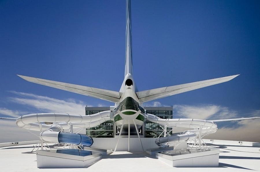 3. Горки, сделанные из «Боинга-747» (штат Орегон, США) Модель самолета «Боинг-747» стала частью крыт