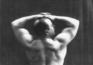 Участник Всемирного чемпионата по классической борьбе, штангист, преподаватель бокса В.П.Крестьянсон