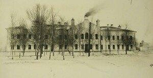 Вид здания тылового госпиталя Всероссийского земского союза (на 500 мест),открытого в помещении Духовной семинарии