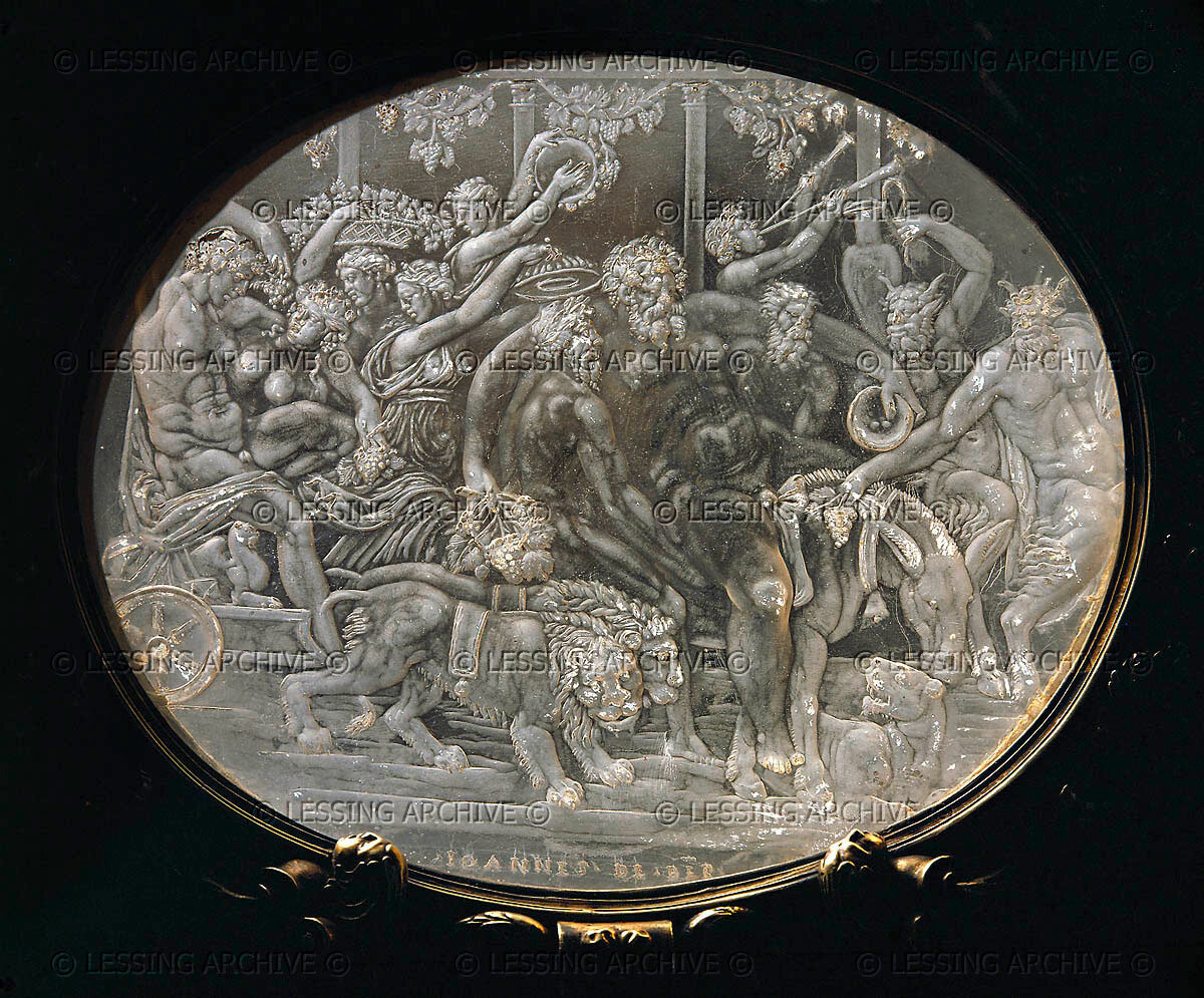 Cofanetto Farnese, gilded box of Cardinal Alessandro Farnese with rock crystal plaques by Giovanni dei Bernardi (between 1543-1544) Detail: Crystal plaque,triumph of Bacchus See also: 40-09-01/13-22