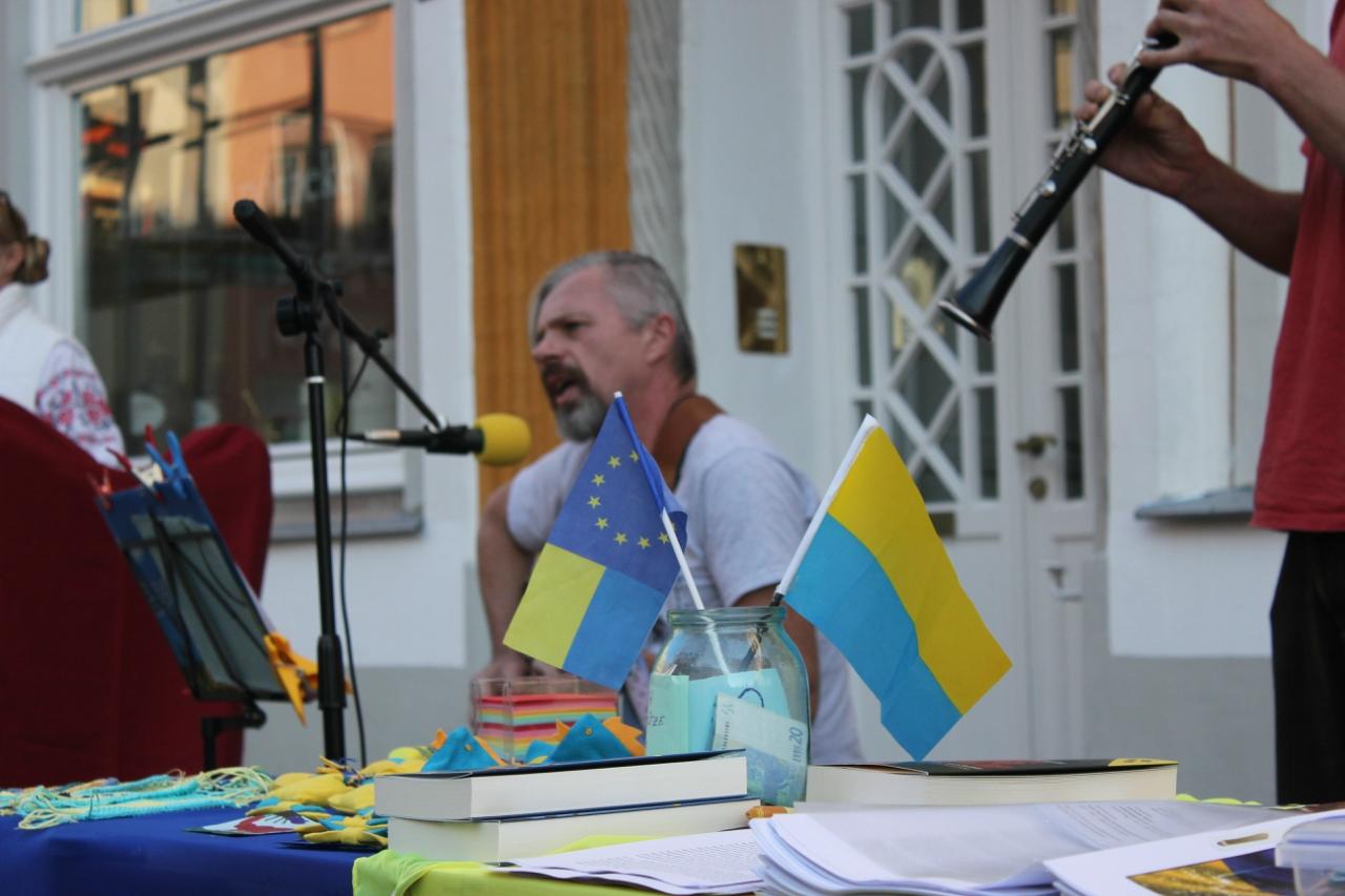 Украинцы и русские Германии за мир