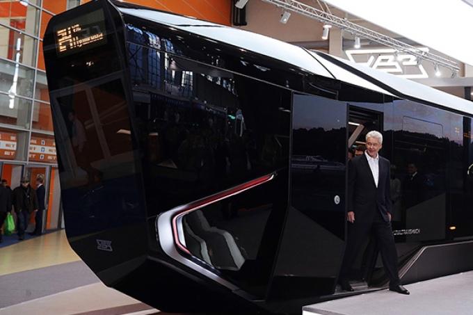Собянин в трамвае