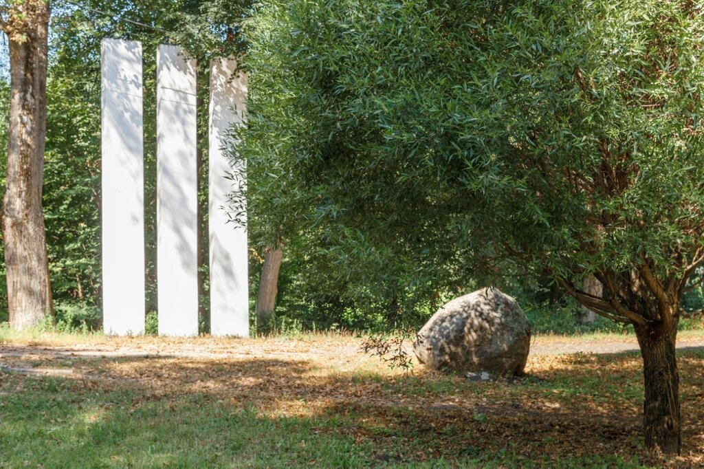 Великие Луки, Памятник воинам-освободителям от бывших малолетних узников фашизма