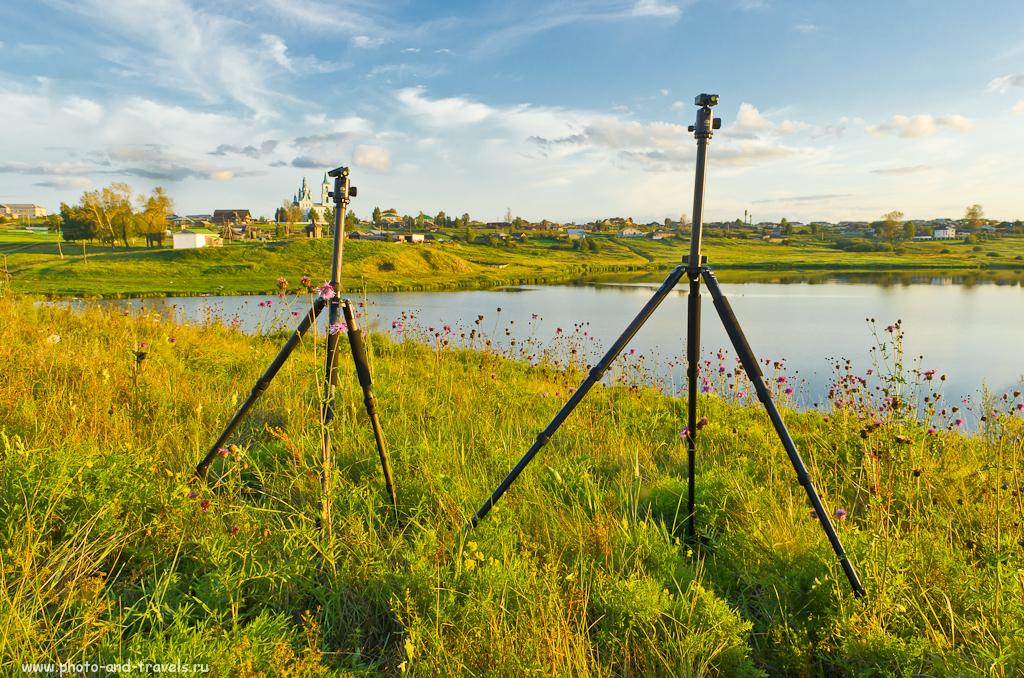 Фотография 2. Какой трипод купить. Профессиональные штативы Sirui. Слева - карбоновый T-2204X, справа - алюминиевый R-2004. Снято на зеркалку Nikon D5100 и репортажник 17-55/2,8